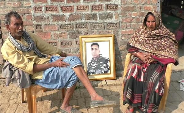 martyr s father in pulwama attack forced to live by selling milk
