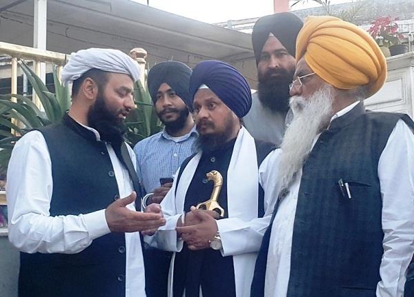 naib shahi imam meets jathedar of shri akal takht sahib