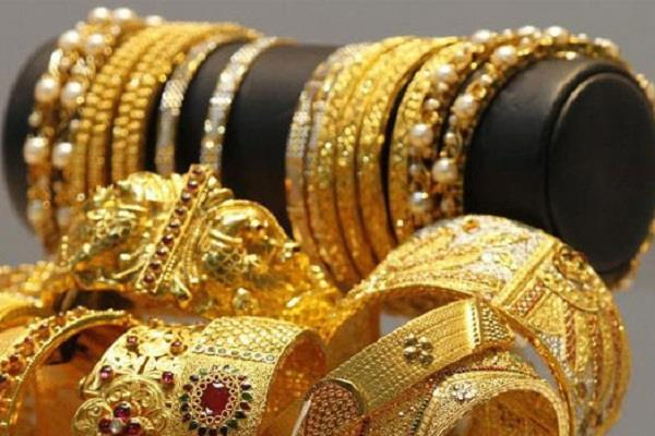 gold lost rs 112