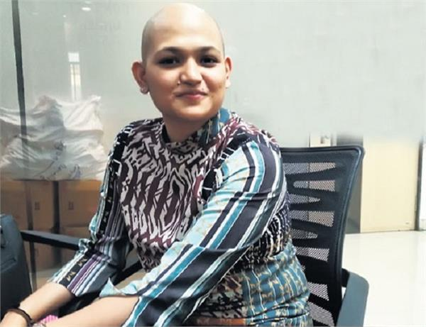 नारी तेरे जज्बे को सलाम, कैंसर की आखिरी स्टेज पर लोगों के लिए कर रही हैं ये काम