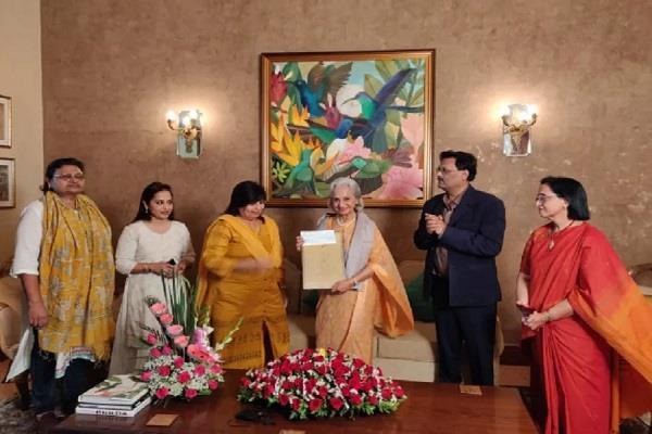 famous actress waheeda rehman her time award kishore award mp govt
