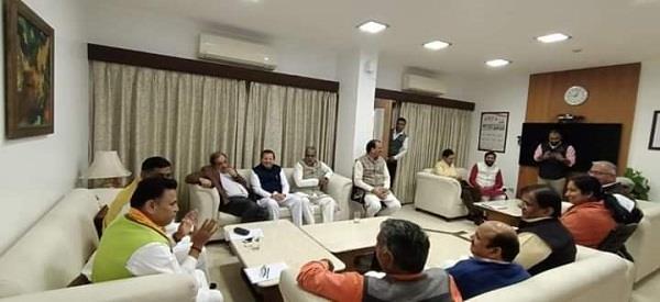 bjp general secretary and secretary held a meeting with haryana mps