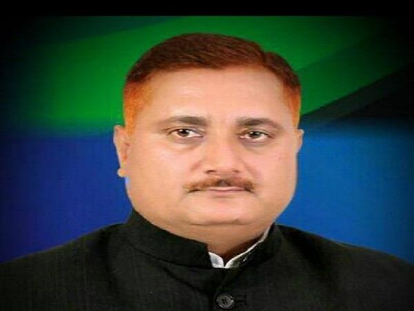 a strong leader of bsp joins sp announced to make akhilesh cm in 2022