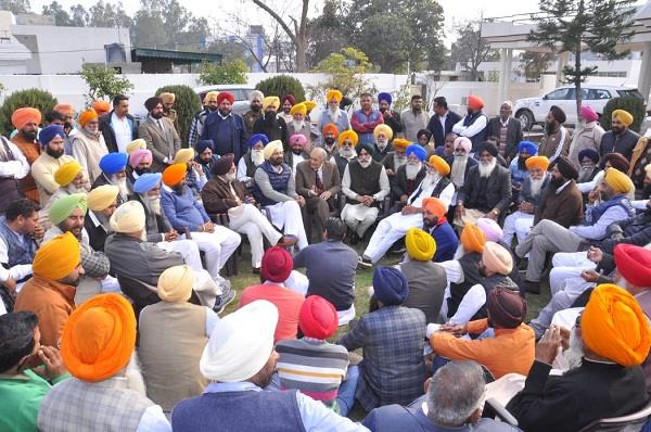 sukhbir badal has no power to face the answer dhindsa