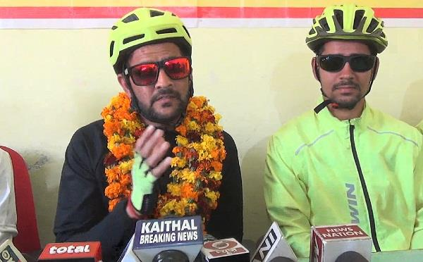 md said haryanvi singer is defaming relation of bhabhi