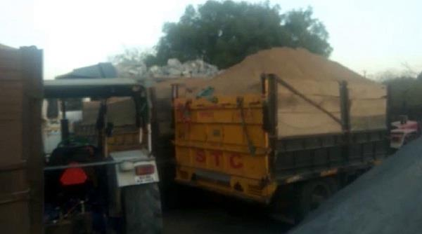4 tractor trolley seized in raids on illegal mining