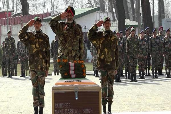 soldier martyred in avalanche of gurez sector army pays tribute