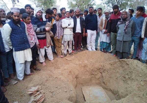 anti social elements digging burial in cemeteries