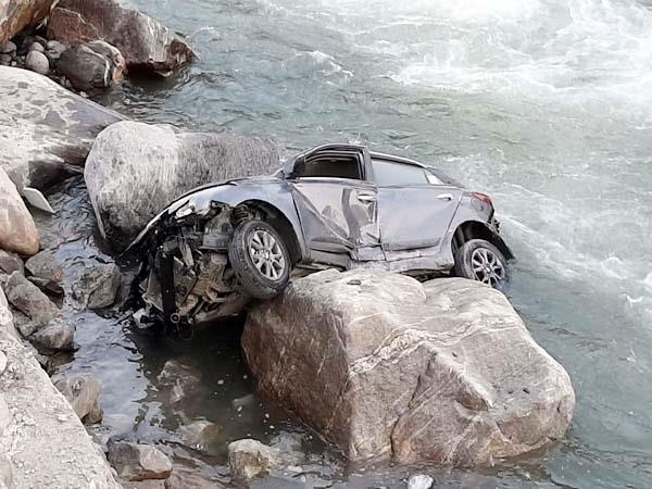 car accident in manali