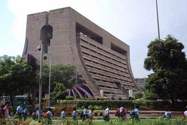 ndmc employees lose millions of rupees as soon as salary comes
