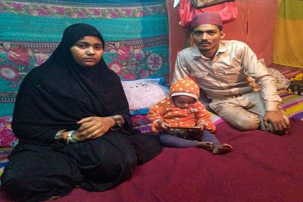 four months old baby died due to cold in shaheen bagh
