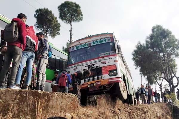 bus accident in shimla