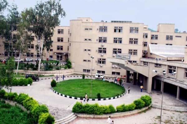 fight in tanda medical college