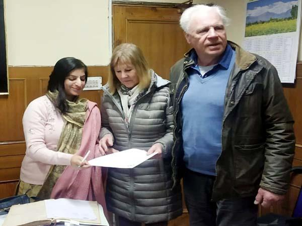 when british woman reached mc shimla to get her mother s birth certificate