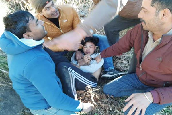 mandi charas smuggler absconding arrested