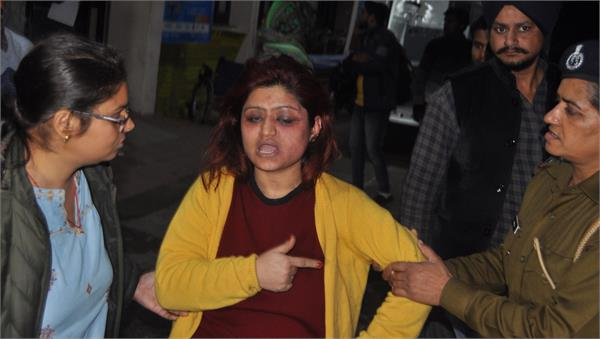 girl s high voltage drama in railway station