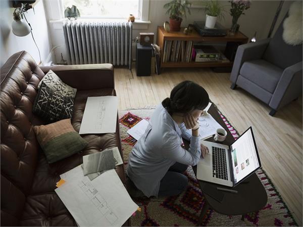 कोरोना वायरस: 'वर्क फ्रॉम होम' से बढ़ रहा लोगों में Stress