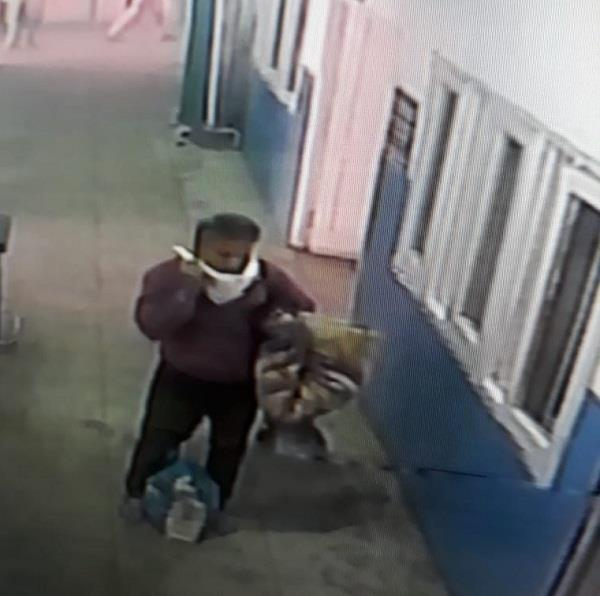 the young man reached the ward of suspected patients to make a video