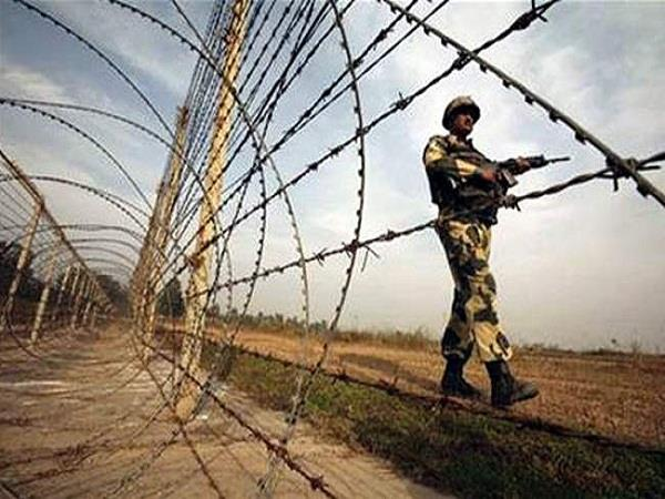 suspicious lights appeared late night on indo pak border