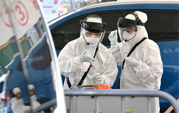 first death in australia from coronavirus as man dies in wa hospital