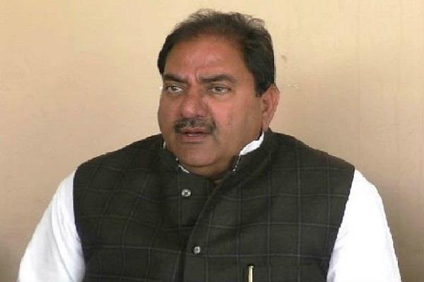 ram and raj both angry on farmer abhay chautala