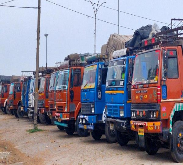 business of 63 thousand truck operators of punjab stalled