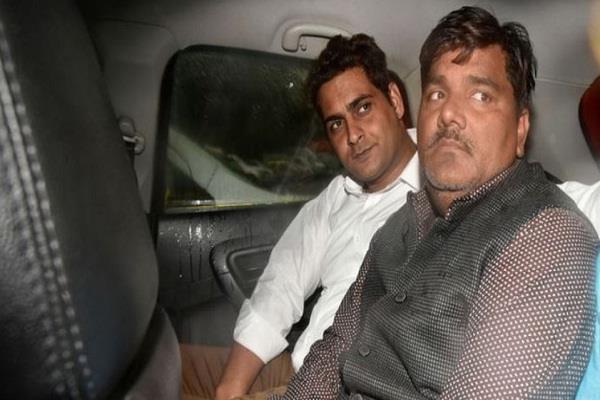delhi violence ib officer tahir shahrukh