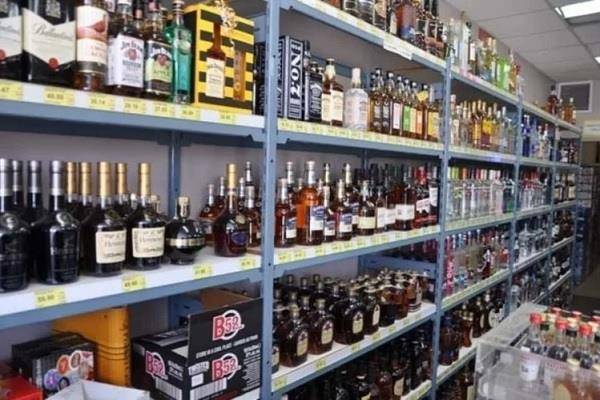 liquor contracts will remain closed in curfew