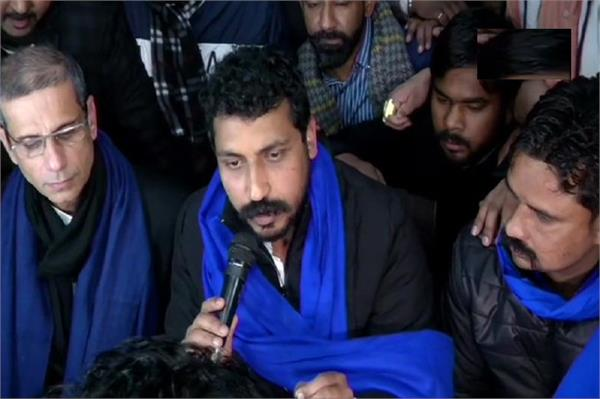 chandrashekhar accuses police of house arrest in lucknow