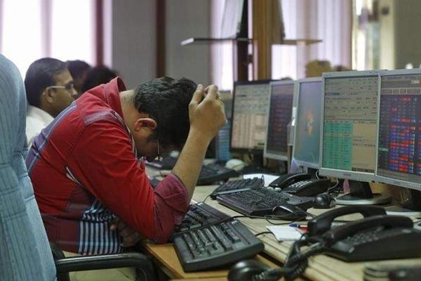 furore in the market investors lost rs 7 lakh crore