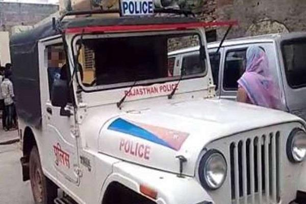 neki pregnant condition deteriorates gwalior sent in police car