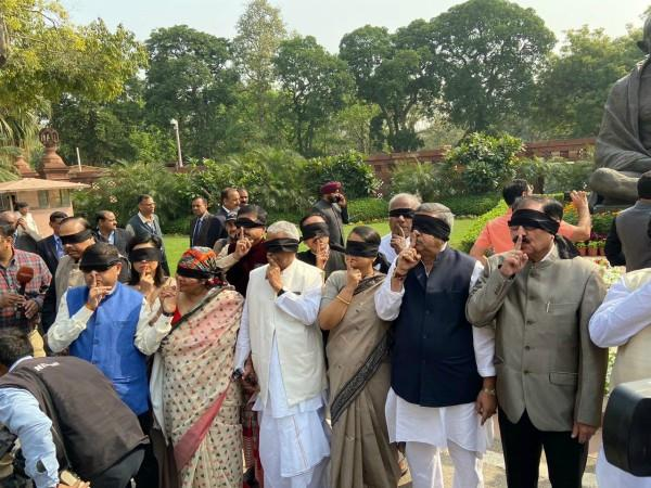 uproar in the house over delhi violence