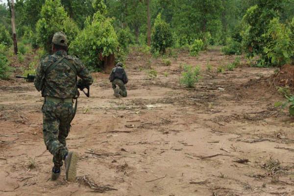 नक्सली मुठभेड़ में सुरक्षाबलों के 17 जवान शहीद, 5 नक्सली भी ढेर:
