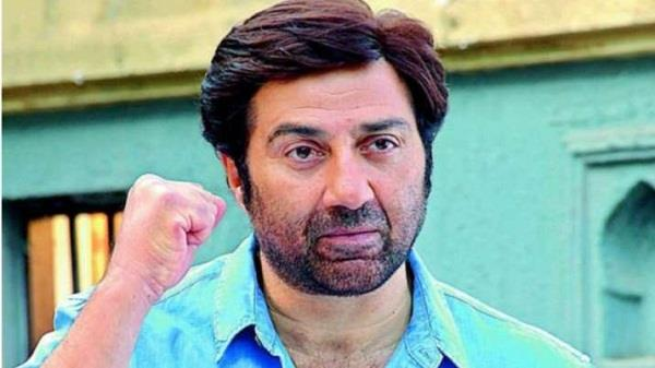 mp sunny deol gave 50 lakhs to pathankot and gurdaspur