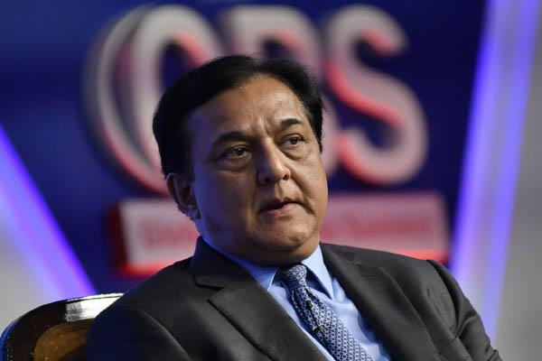 former ceo of yes bank rana kapoor reached ed office after notice