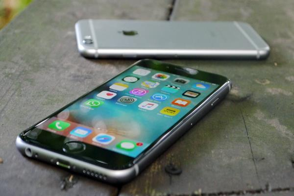 apple agrees to pay some iphone owners 25 each