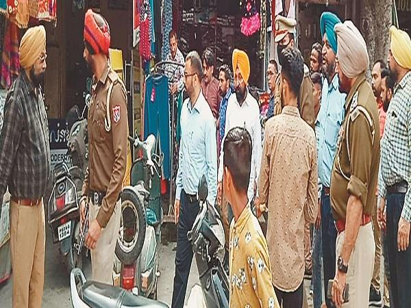 khanna administration and council officials took illegal possession from markets