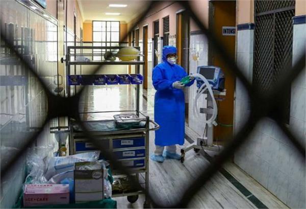 corona virus patients found in delhi and telangana