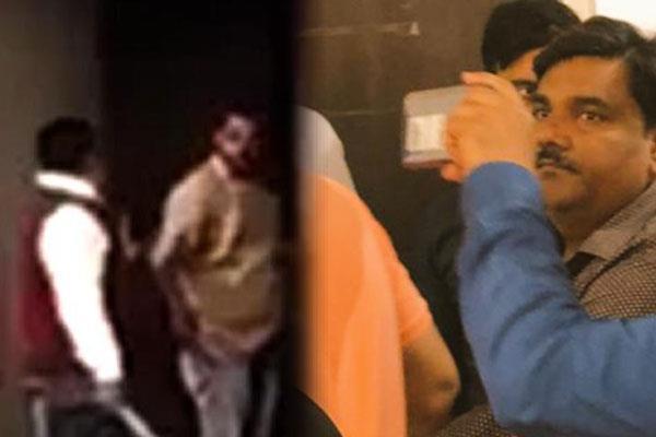 delhi violence tahir hussain surrender