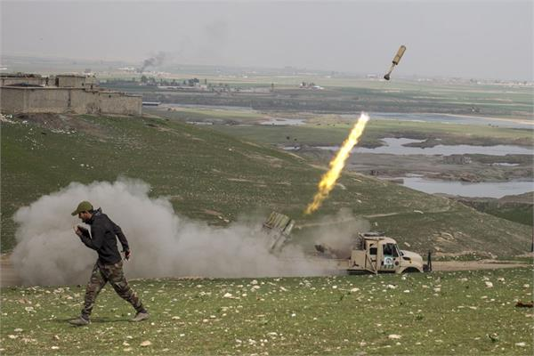 rocket attack on us troops  hideout in iraq