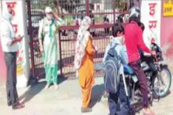 defying orders parents are being called to school for mid day meal ration