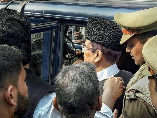 azam khan transferred from sitapur to bareilly jail