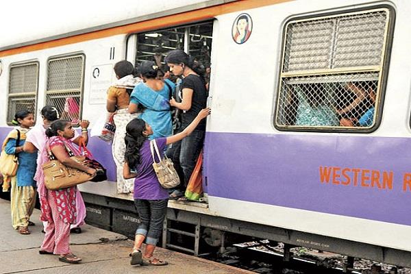 travel of women is not safe in trains