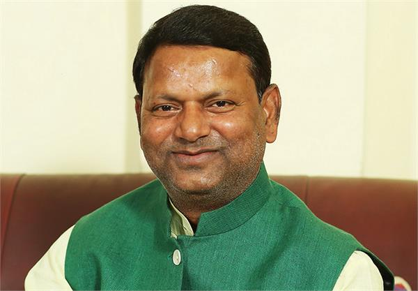 mp pankaj chaudhary gave one crore to deal with corona virus