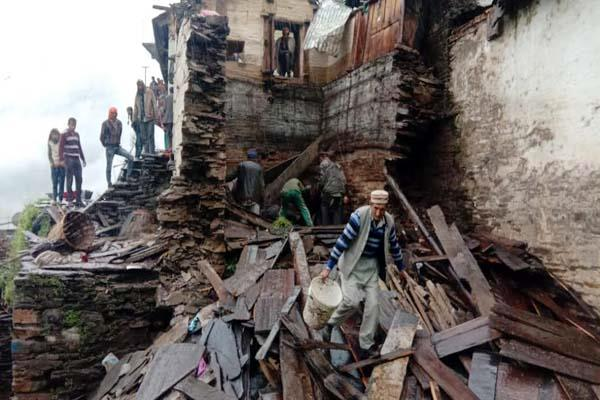 house collapsed due to rain