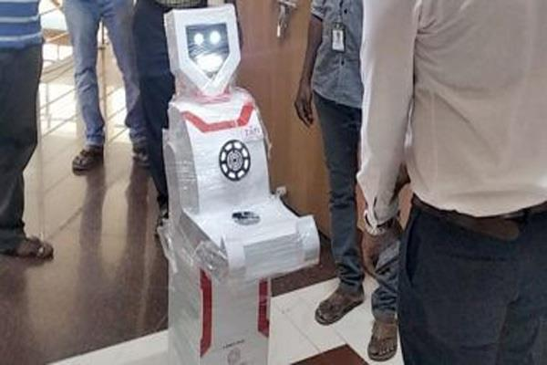 robots helping to tackle kovid 19 in the world may soon happen in india