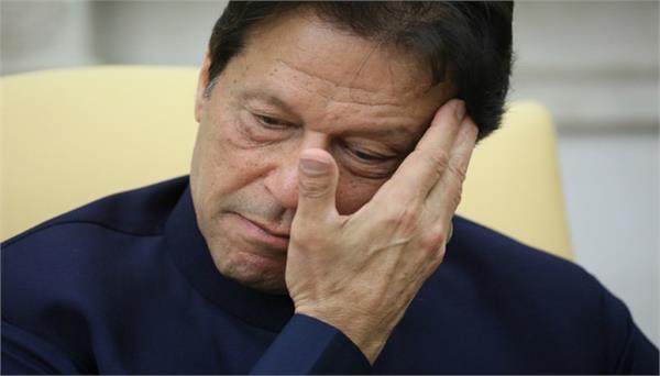 due to corona increase poverty in pakistan imran in trouble