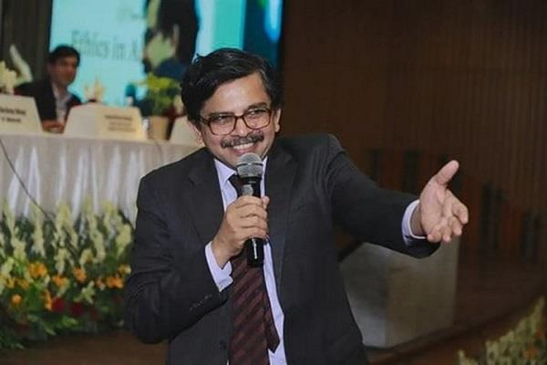 farewell to judge mulridhar who made stern remarks on delhi violence