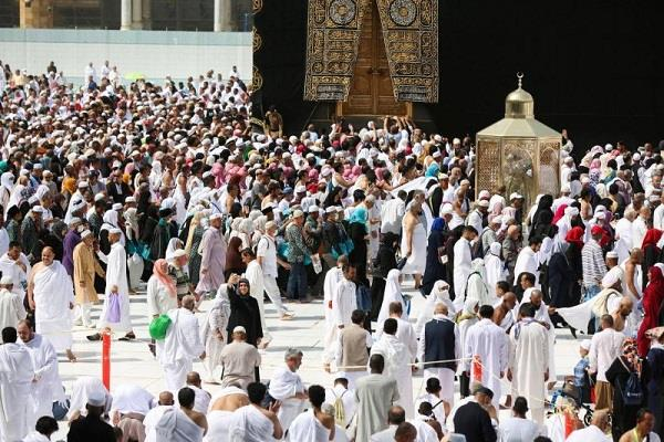 saudi arabia suspends umrah visit in fear of corona virus