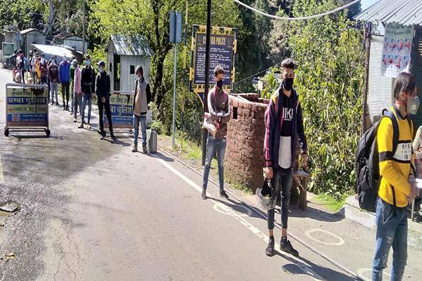 62 people from outside states stopped on entrance tunuhatti of chamba